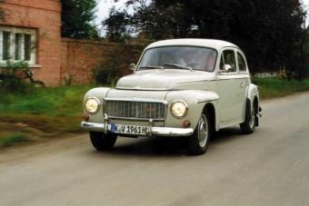 Volvo P544 - Átutazó vendég
