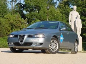 Teszt: Alfa Romeo 156 2.0 JTS - Szeret, nem szeret