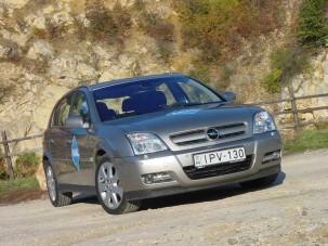 Teszt: Opel Signum 3.0 DTI - Kérdőjel, felkiáltójel