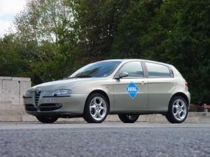 Teszt: Alfa Romeo 147 1.9 JTD 16v M-jet Distinctive - Versenydízel