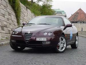 Teszt: Alfa Romeo GTV 3,2 V6 - Az adrenalin a vérében van