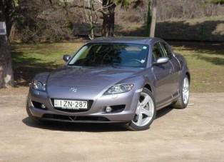 Teszt: Mazda RX-8 - Száguldás 1308 köbcentivel