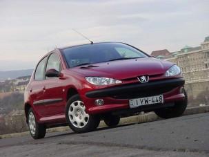 Teszt: Peugeot 206 1.4 16V - Egyedül nem megy