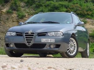 Teszt: Alfa Romeo 156 Sportwagon 2.4 JTD 20 V - Dízel versenykombi