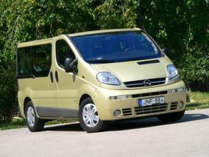 Teszt: Opel Vivaro Tour 2.5 CDTI - Mindentudó