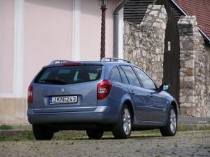 Teszt: Renault Laguna Grandtour 2.0T aut - Se hús, se hal