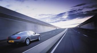 Újdonság a Bentley-től: fékez, mint a tehervonat
