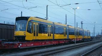 Sínen az új körúti villamos