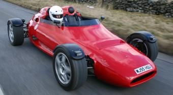 Cosworth motoros koporsó