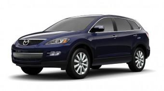 Hétszemélyes Mazda terepjáró