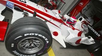 Újabb japán pilóta az F1-ben