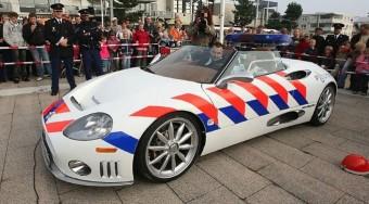 Luxuskocsival a bűnözők ellen