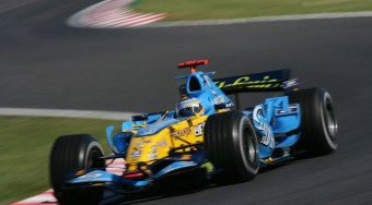 Dráma: Schumacher kiesett Japánban