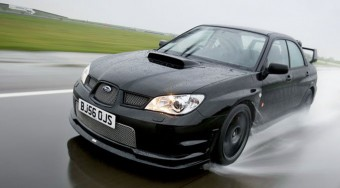 Gyászkeretes Subaru