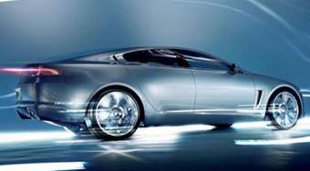 Lebukott a Jaguar