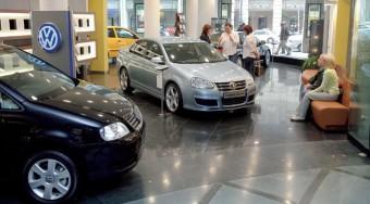 Kevesebb új autó Magyarországon
