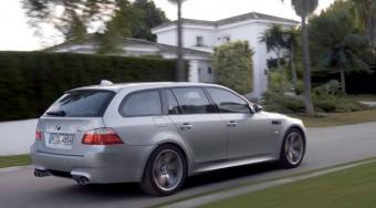 500 lóerős kombi a BMW-től