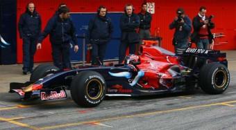 Egyelőre megúszta a Toro Rosso