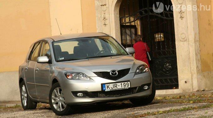 Viszonylag magas áron is szeretjük a Mazda3-at