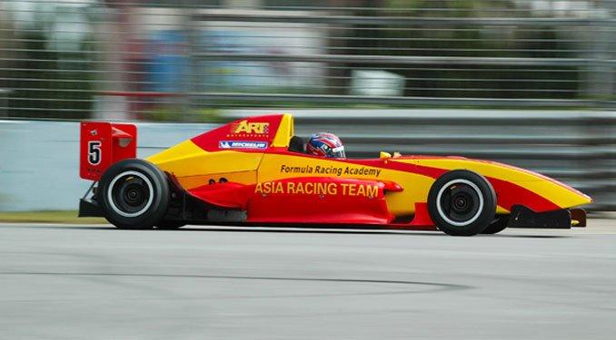 Jaafar Formula BMW Asia-sorozatban versenyez