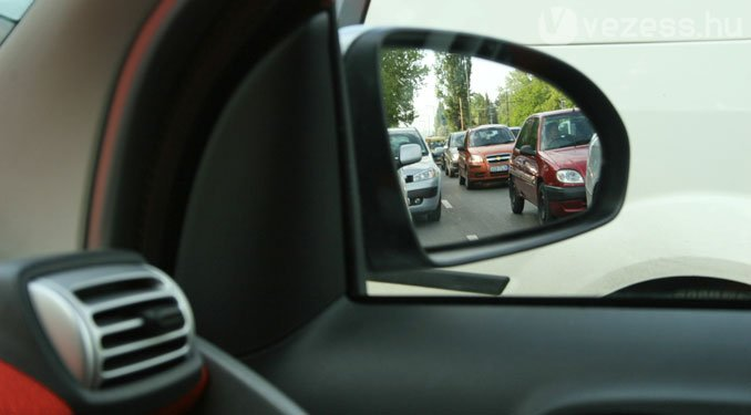 A fürge autóban méginkább idegesítőek a többiek