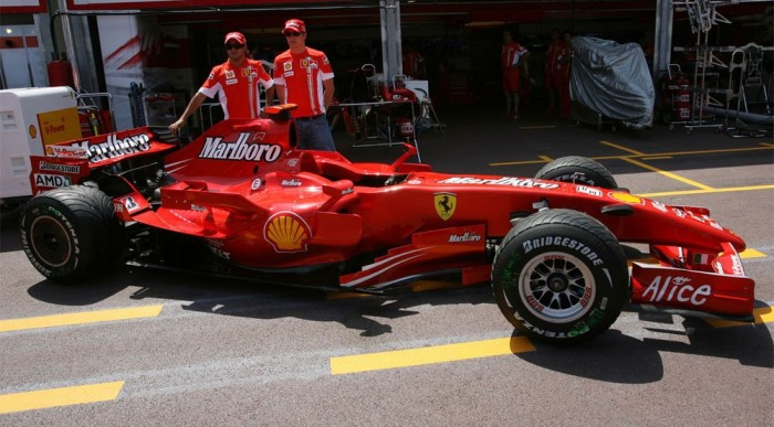 A Ferrarinál altatnak?