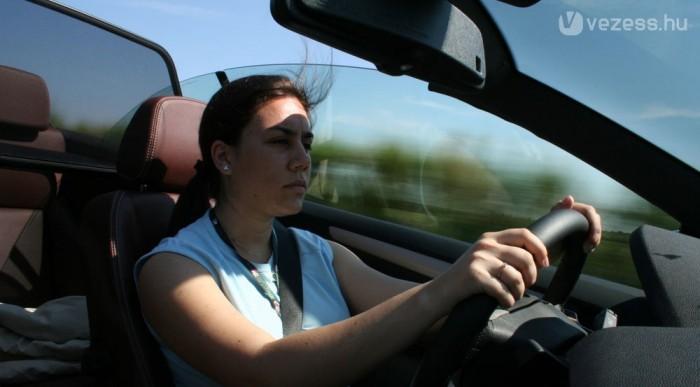 Az autópályán is loboghat a hajad