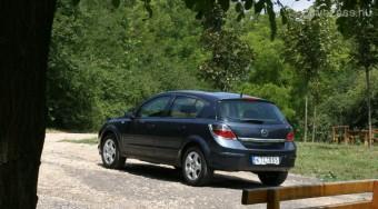 Teszt: Opel Astra 1.6 Enjoy