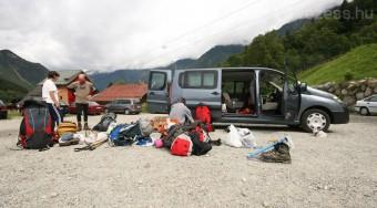 Hegymenetben a Mont Blanc-ra