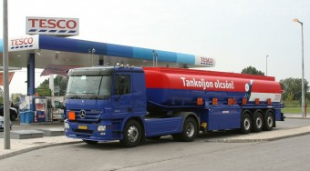215 forint a Tescónál az üzemanyag