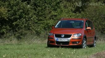Teszt: Volkswagen Cross Touran