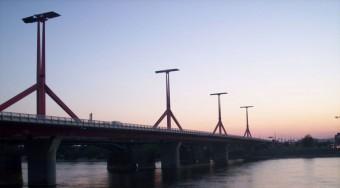 Lezárják a Lágymányosi hidat