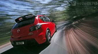 Sport-Mazda felpiszkálva