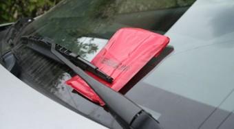 Egy csaló is büntet a parkolásért