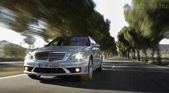 A Mercedest még a Suzuki is lenyomja