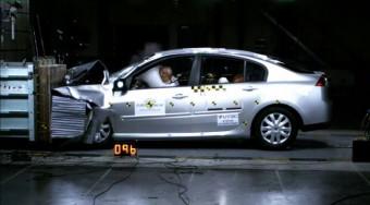 Szuperbiztonságos a Renault Laguna