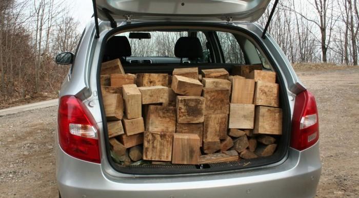 Belefért fél köbméter tűzifa