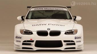 BMW M3 versenypályára