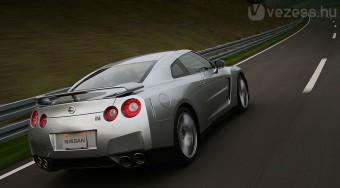 Rekordra tör a szuper-Nissan