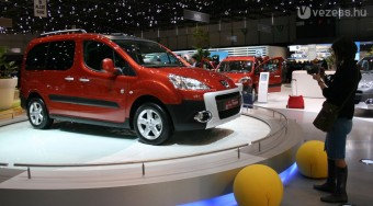 Az Audi ellen megy a Peugeot