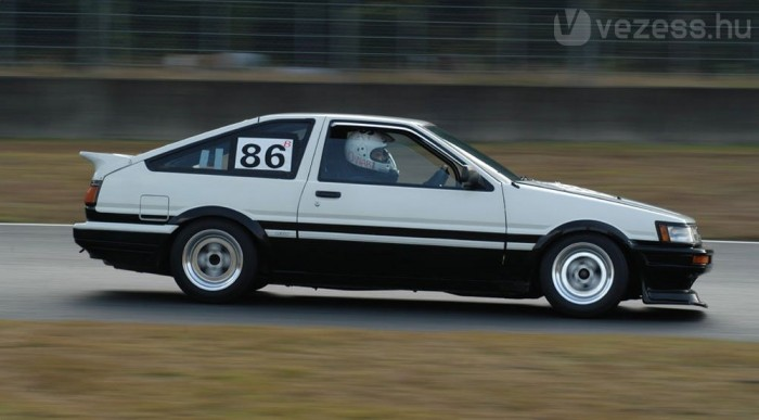 A legendás Corolla AE86 hátsókerék-hajtással