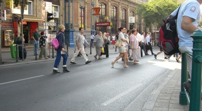 Sok balesetet okoznak a gyalogosok