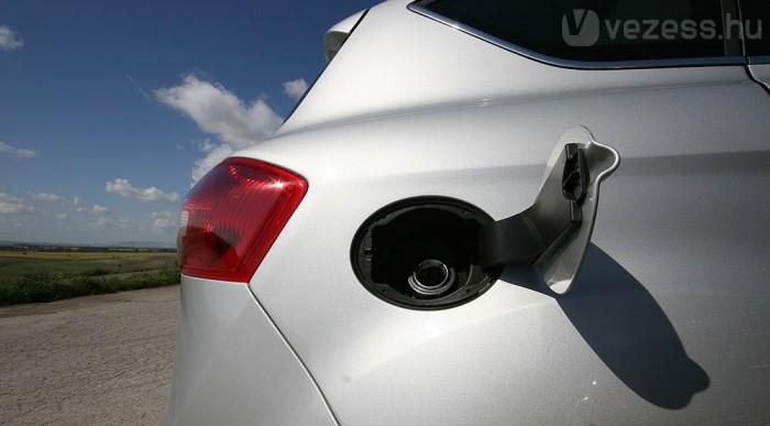 Kevés benzin, kevés CO2