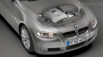 A BMW-é az év motorja
