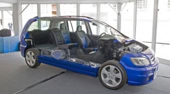 Kipróbáltuk a jövő autóit
