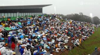 F1: WC-k miatt perlik a pályát