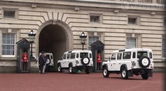 Land Roverek  a Vöröskeresztnél