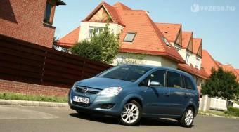 Opel Zafira: Kis motorral is jó