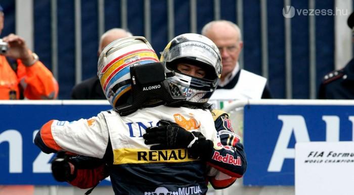 Alonso átadta a rekordot