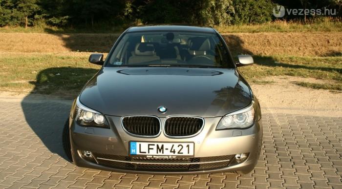 Papíron 5,1 litert ígér a BMW 520d